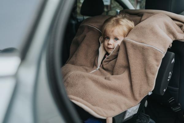 Patulove Brave Bear Kindersitzponcho Auto