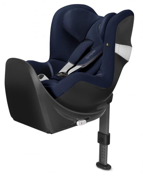blauer Cybex Kindersitz rückwärts