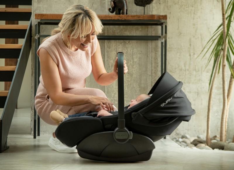 Nuna_Arra-Next-Babyschale-drehbar-360-Kindersitz