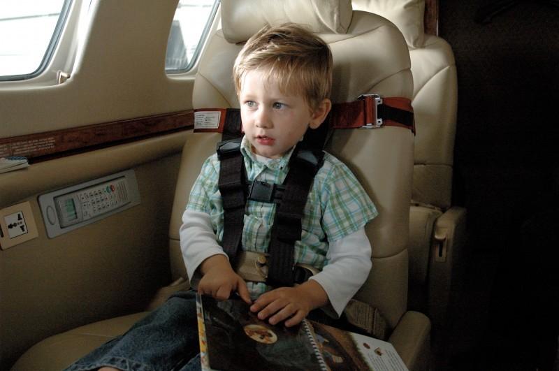 Sicherheitsgurt Kinder Flugzeug