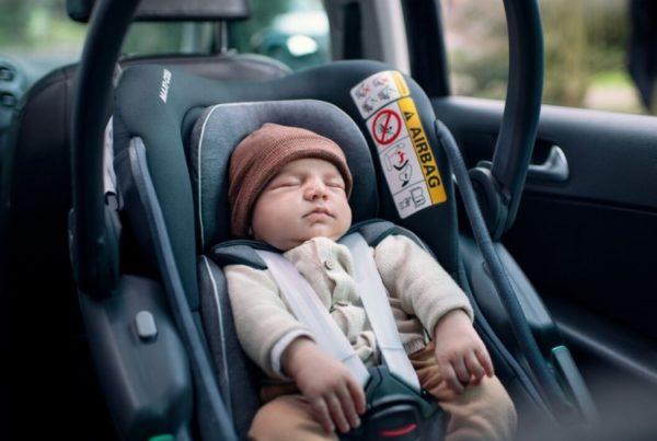 Coral Babyschale Sauerstoff im Auto